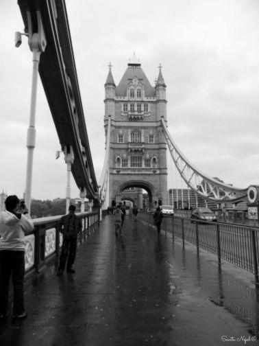 Tower bridge scenes 4